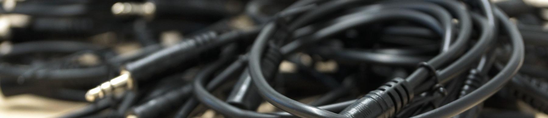 Kablage med kontakter